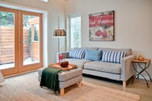 vancouver furnished rental living room